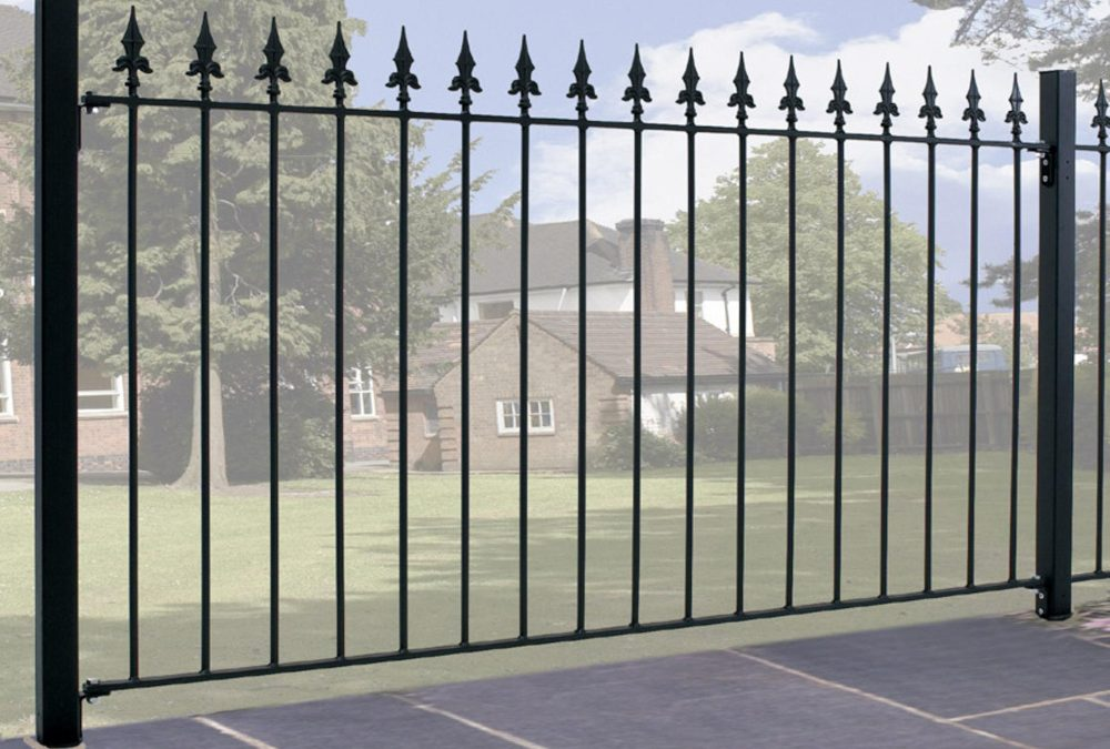 Saxon Spear Top Metal Fence Fencing Panel 950mm High
